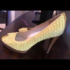 Calvin Klein Open Toe Pumps Sz 10 yellow